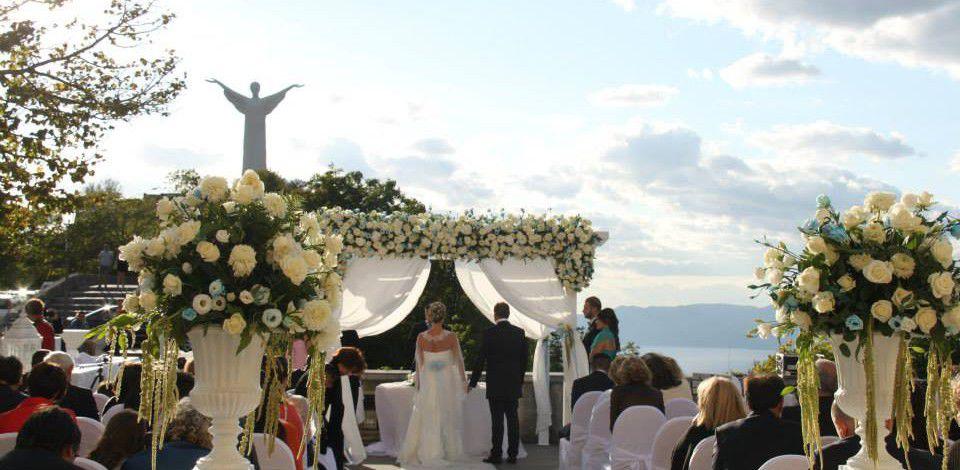 """Matrimonio In Cristo : Dirsi """"si ai piedi della statua del cristo diventa"""