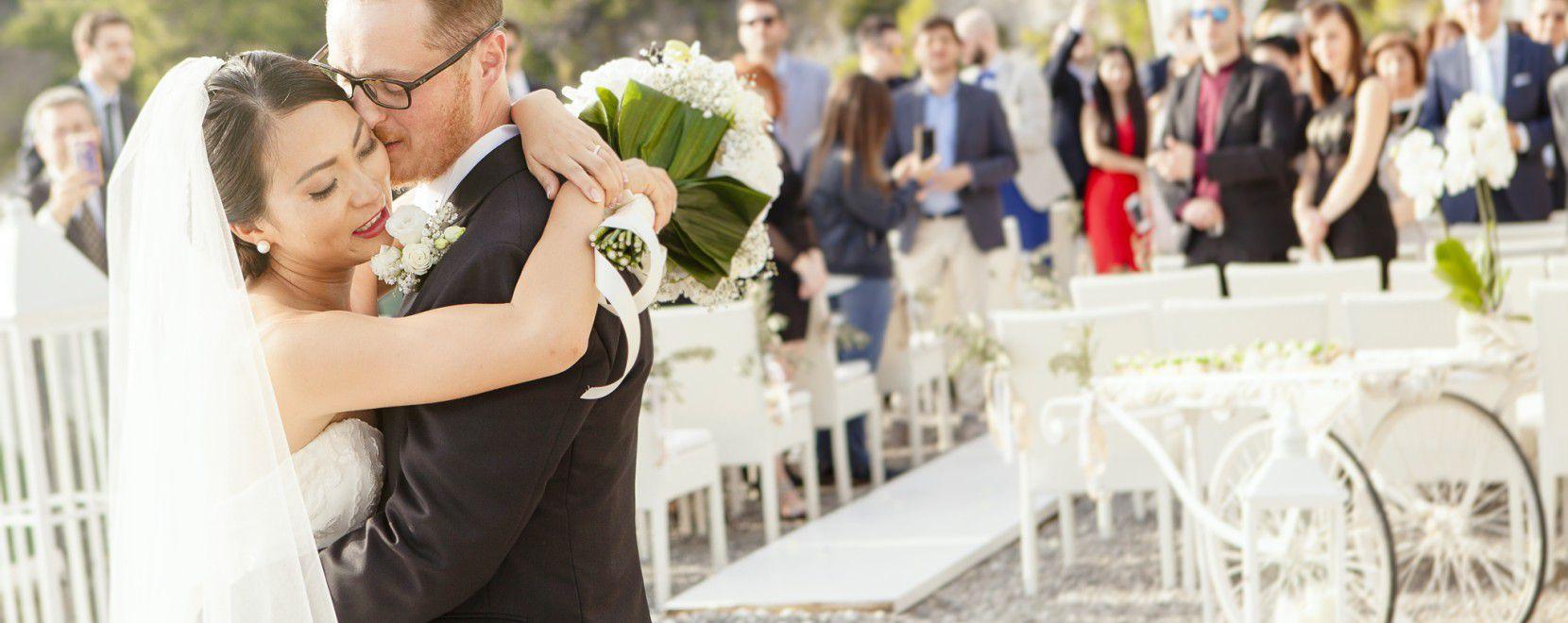 Particolare sposi dopo celebrazione matrimonio a Maratea