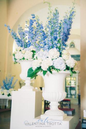 allestimento fiori chiesa delphinium ortensia (2)