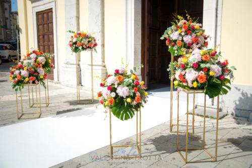 fiori cerimonia luxury wedding tropical colorful
