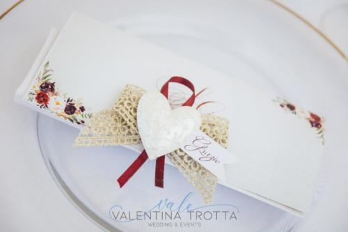 idea segnaposto wedding burgundy arco matrimonio