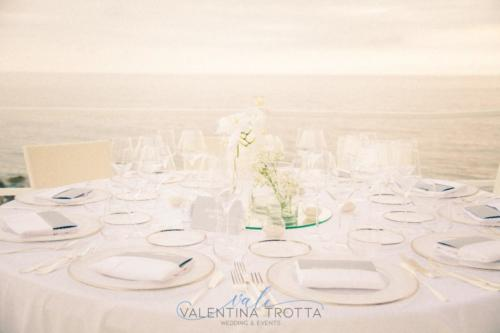 table Set upwedding white grey